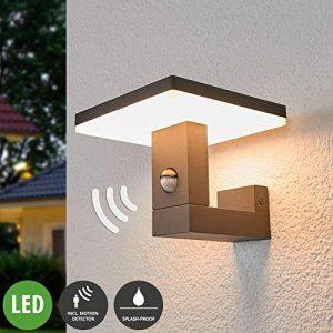 Lampenwelt LED Wandleuchte außen 'Olesia' mit Bewegungsmelder (spritzwassergeschützt) (Modern) in Alu aus Aluminium (1 flammig, A+, inkl. Leuchtmittel) – Außenlampe, Wandlampe für Outdoor & Garten